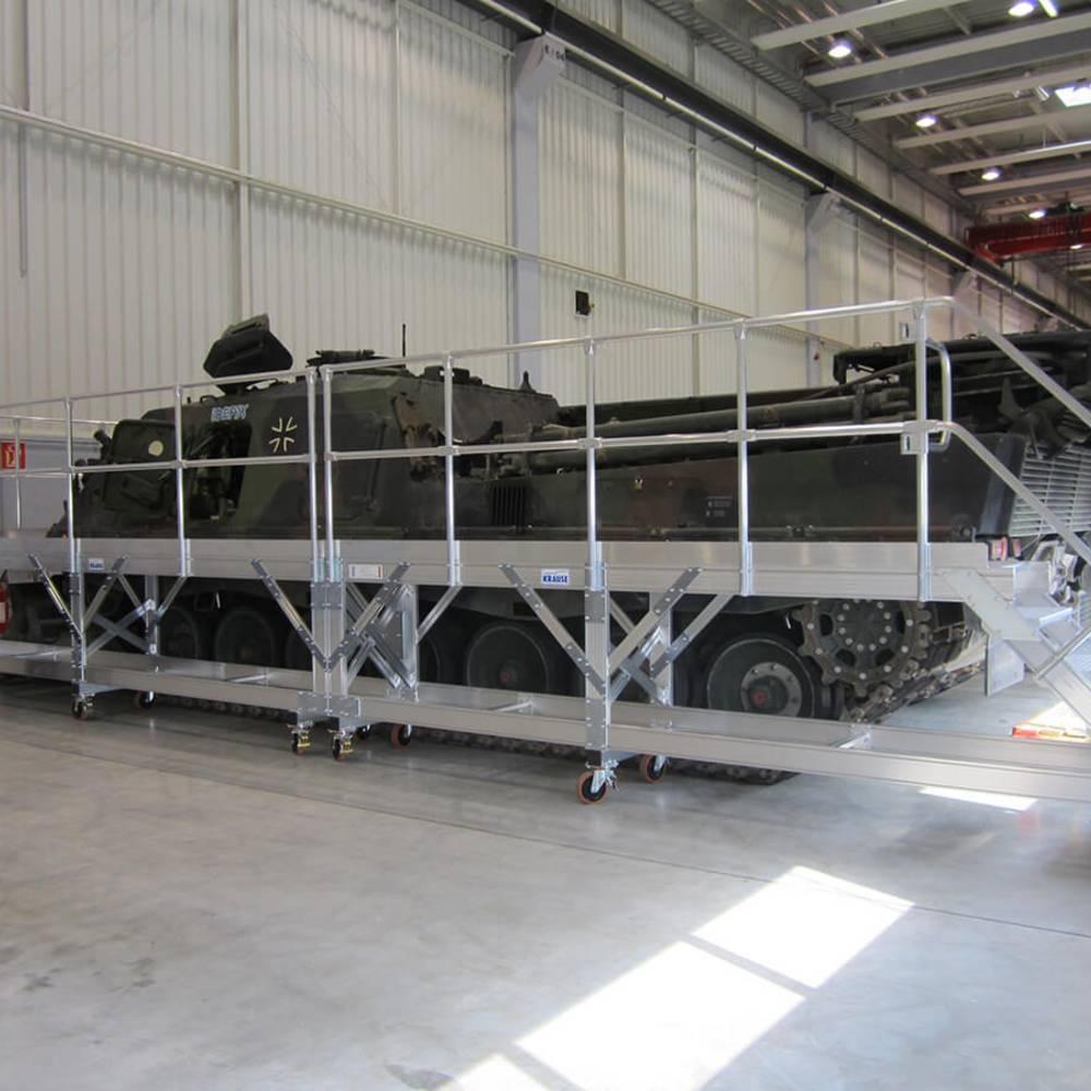 Mobilna platforma robocza i jej zastosowanie przy pracach konseracyjnych czołgów