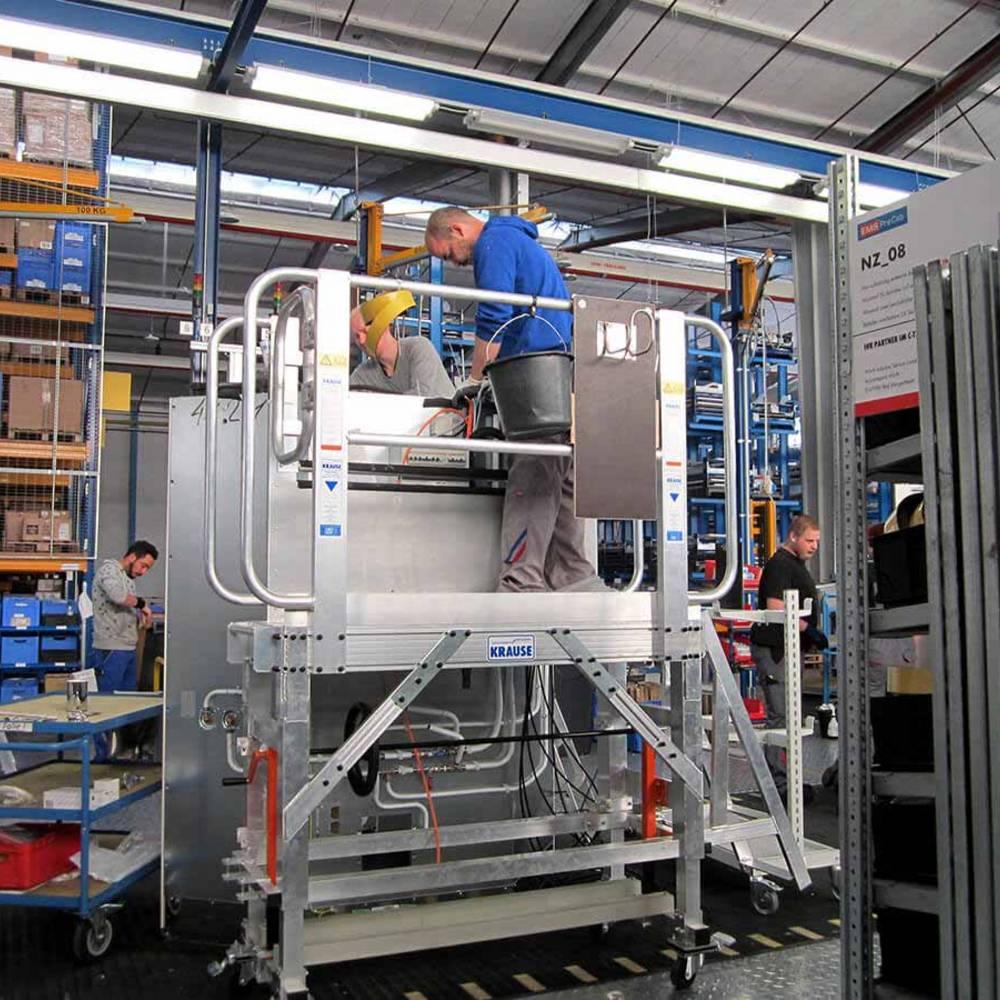 Przykład zastosowania jezdnej platformy roboczej przy pracach produkcyjnych