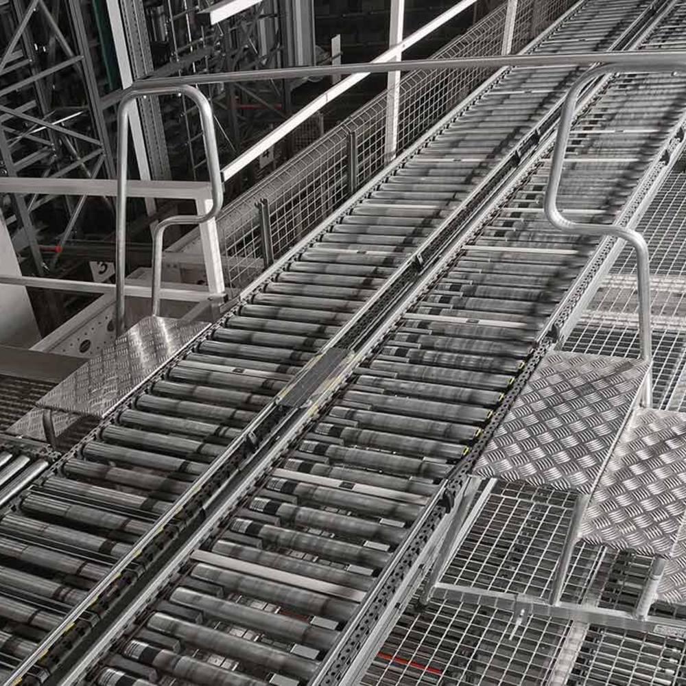 Przykład zastosowania pomostu przejściowego przy linii produkcyjnej