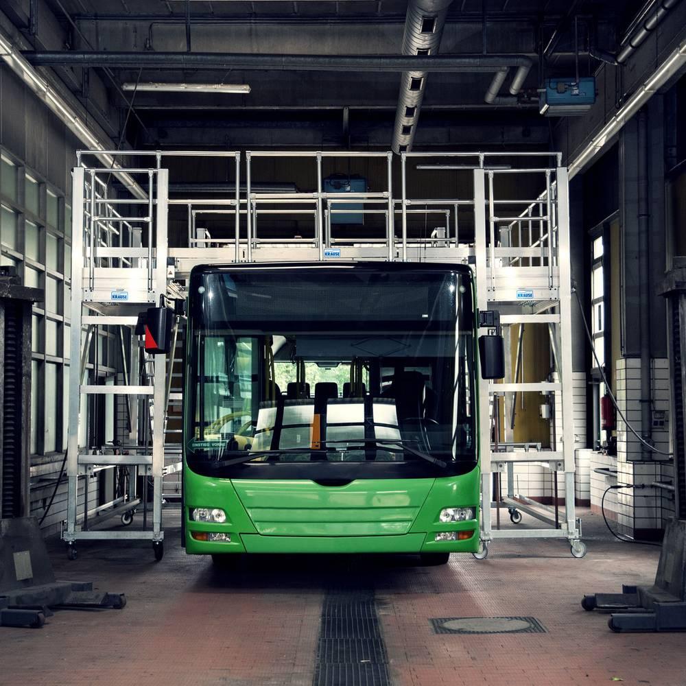 Mobilna platforma robocza i jej zastosowanie przy pracach konseracyjnych autobusów