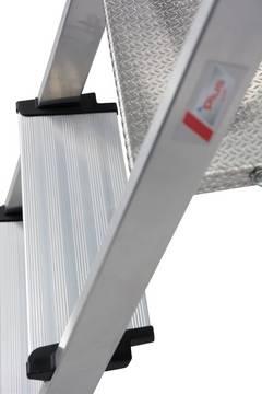 Drabina wolnostojąca Safety - 6-nitowe połączenie stopni z podłużnicami dla większej stabilności