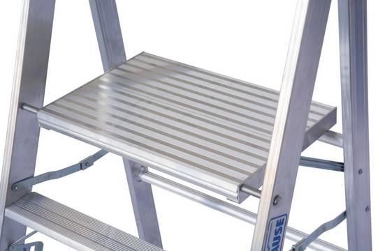 Schodki Profi - duża platforma zapewniająca bezpieczną i wygodną pracę (550x350 mm)