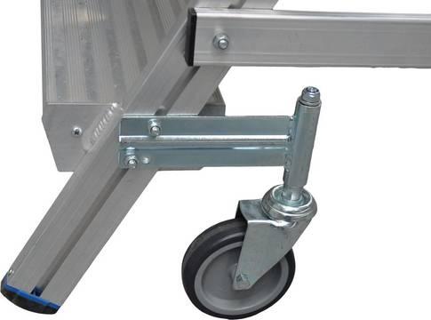 Jezdny podest roboczy z jednostronnym wejściem - cztery rolki skrętne (125 mm), z czego 2 wyposażone w hamulec gwarantujące łatwe przesuwanie i bezpieczne użytkowanie