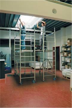 Przykład zastosowania aluminiowego rusztowania jezdnego z szeroką platformą