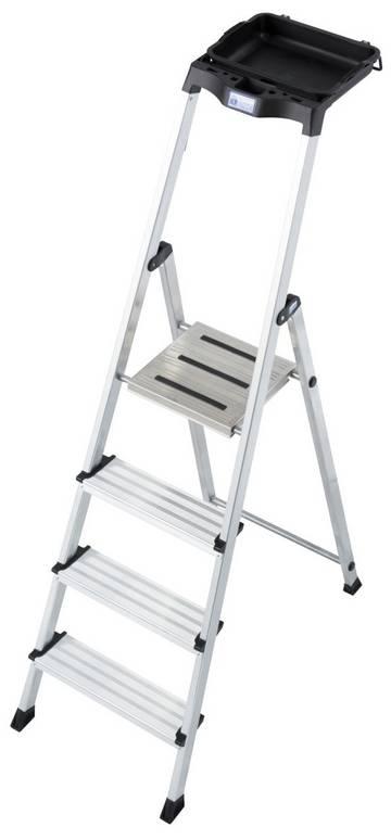 Praktyczna i wszechstronna wolnostojąca drabina z platformą, ze specjalnym uchwytem na wiadro i ergonomiczną, obszerną półką na narzędzia.