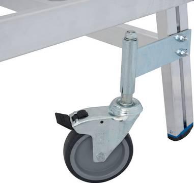 Jezdny podest roboczy, z jednostronnym wejściem, powiększoną listwą przypodłogową i wydłużonymi barierkami - 4 rolki skrętne (125 mm), z czego 2 wyposażone w hamulec gwarantujące łatwe przesuwanie i bezpieczne użytkowanie