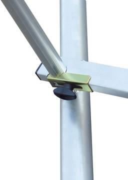 Aluminiowe rusztowanie jezdne - rolki jezdne wyposażone w hamulec oraz regulację wysokości do wyrównania wyrównania nierówności podłoża