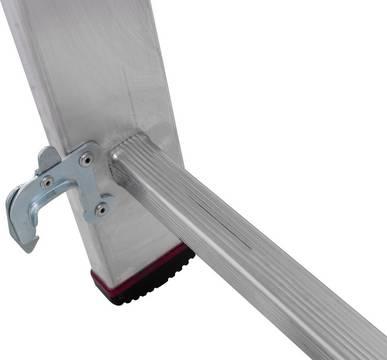 Drabina wielofunkcyjna - specjalne haki zapobiegające samoczynnemu złożeniu/rozłożeniu się drabiny podczas używania i transportu