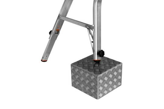 Przegubowa drabina teleskopowa z 4 regulowanymi nogami TeleVario - łatwa regulacja długości każdej nogi osobno (zintegrowany TeleSystem)