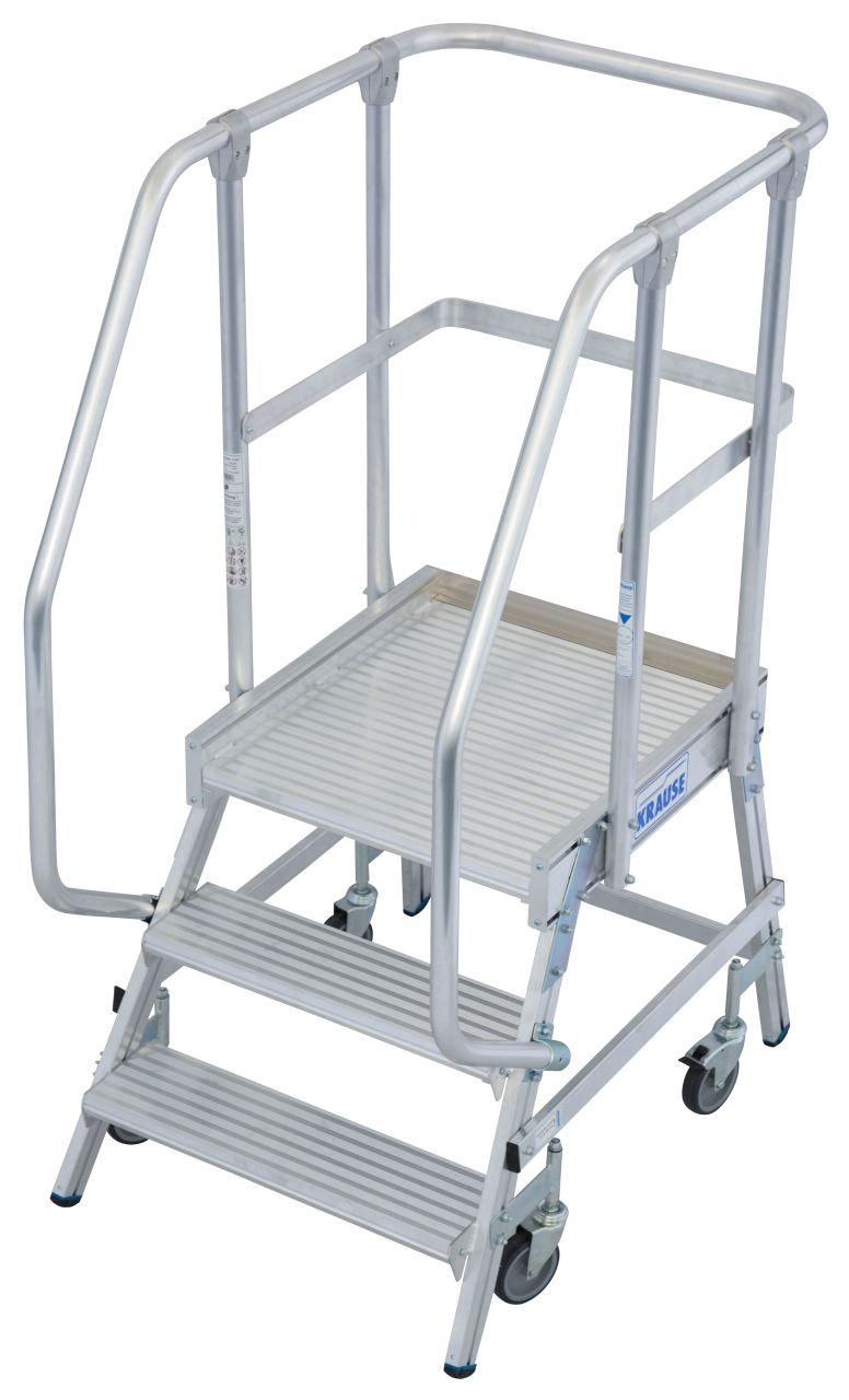 Jezdny podest roboczy roboczy  wg. PN EN 131-7. Aluminiowy pdest jezdny z jednostronnym wejściem, wyposażony w głębokie stopnie z obustronną poręczą oraz dużą, chronioną barierkami platformę roboczą, gwarantującą bezpieczeństwo i wygodę prac