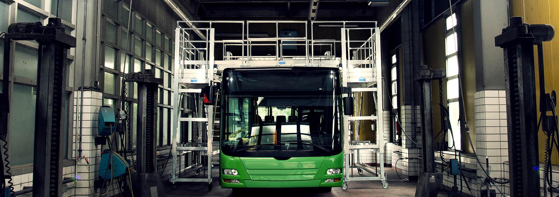Jezdna platforma robocza do obsługi autobusów