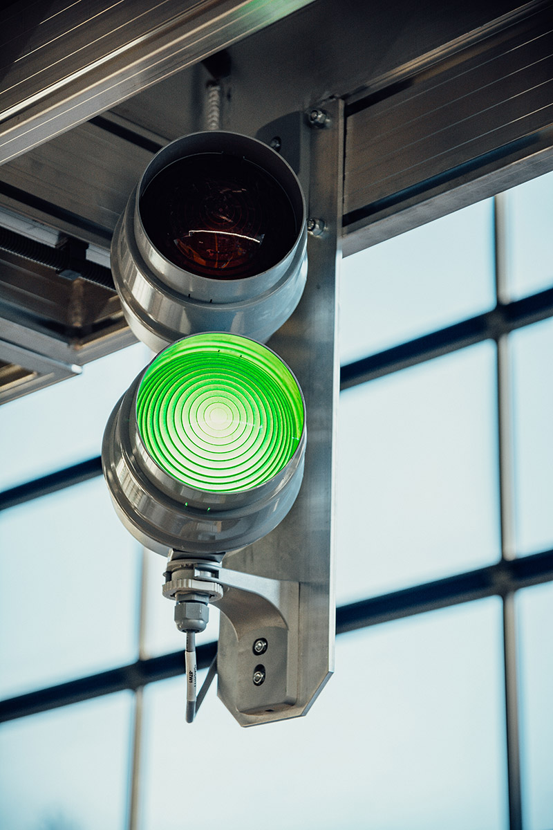 Zielone światło zezwalające na wjazd autobusu…